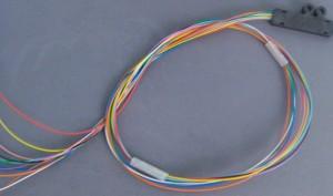 Cable de Varios Hilos de Fibra Óptica con Cubierta de Colores de 900um