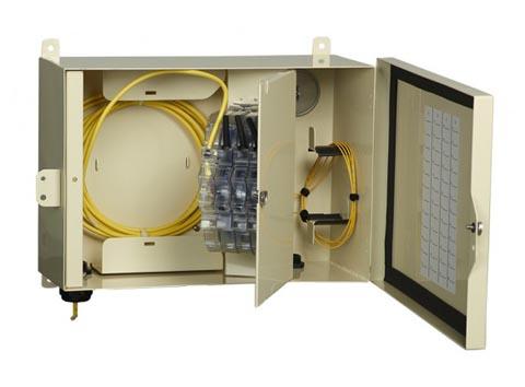 Caja de montaje en pared para entornos adversos