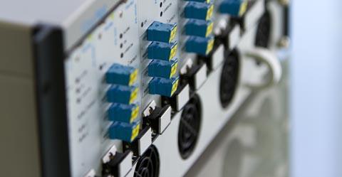 Medidor de cortes en fibra de alta precisión