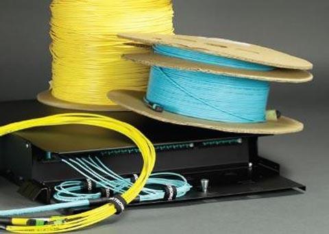 Sistema de cable fiber-trunk preterminado