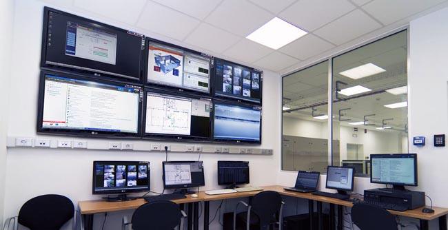 Plataforma para gestionar y monitorizar las redes