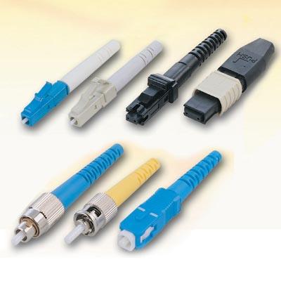 Diversos modelos de conectores ópticos