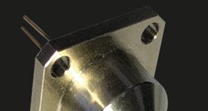 Receptáculo SMA para conectores de fibra
