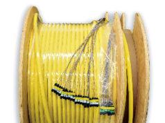 Ensamblajes de cable de fibra óptica